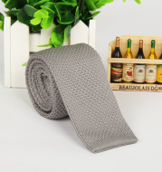 Solid-color knitted tie for men