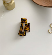 Simple and elegant tortoise shell hairpin