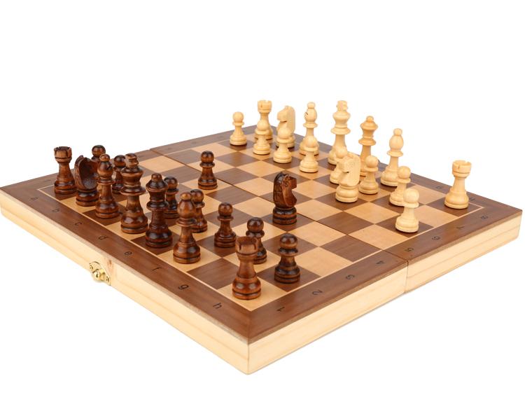 Jeu d'échecs en bois massif 6
