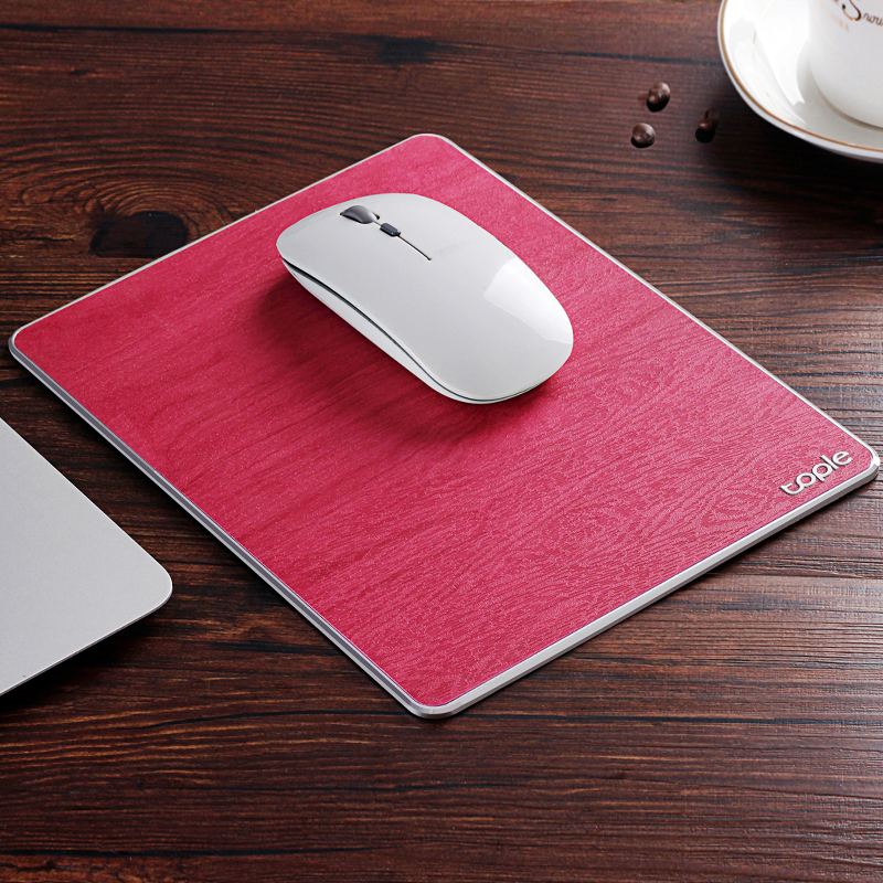 Tapis de souris double matière aluminium et cuir couleur rouge fuchsia
