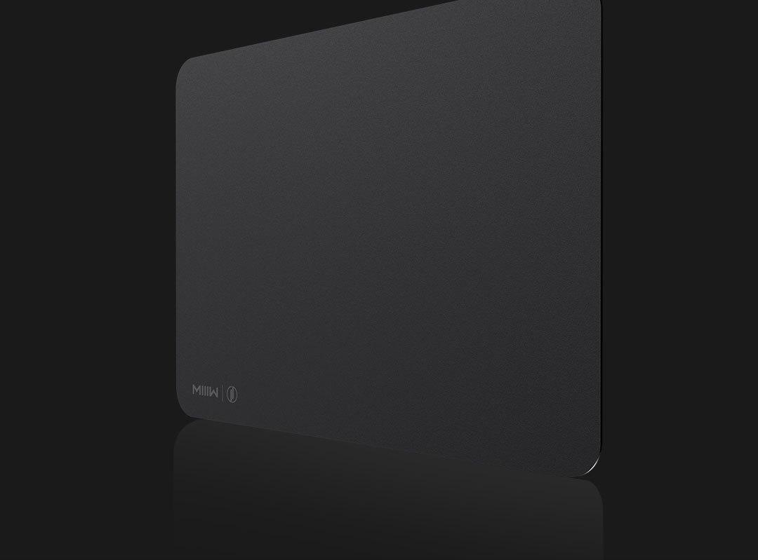 Tapis de souris gaming noir taille M (35 x 25 cm) Miwu