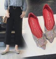 Korean version of pointed rhinestone decorative shoes