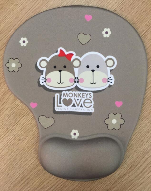 Tapis souris amour singe