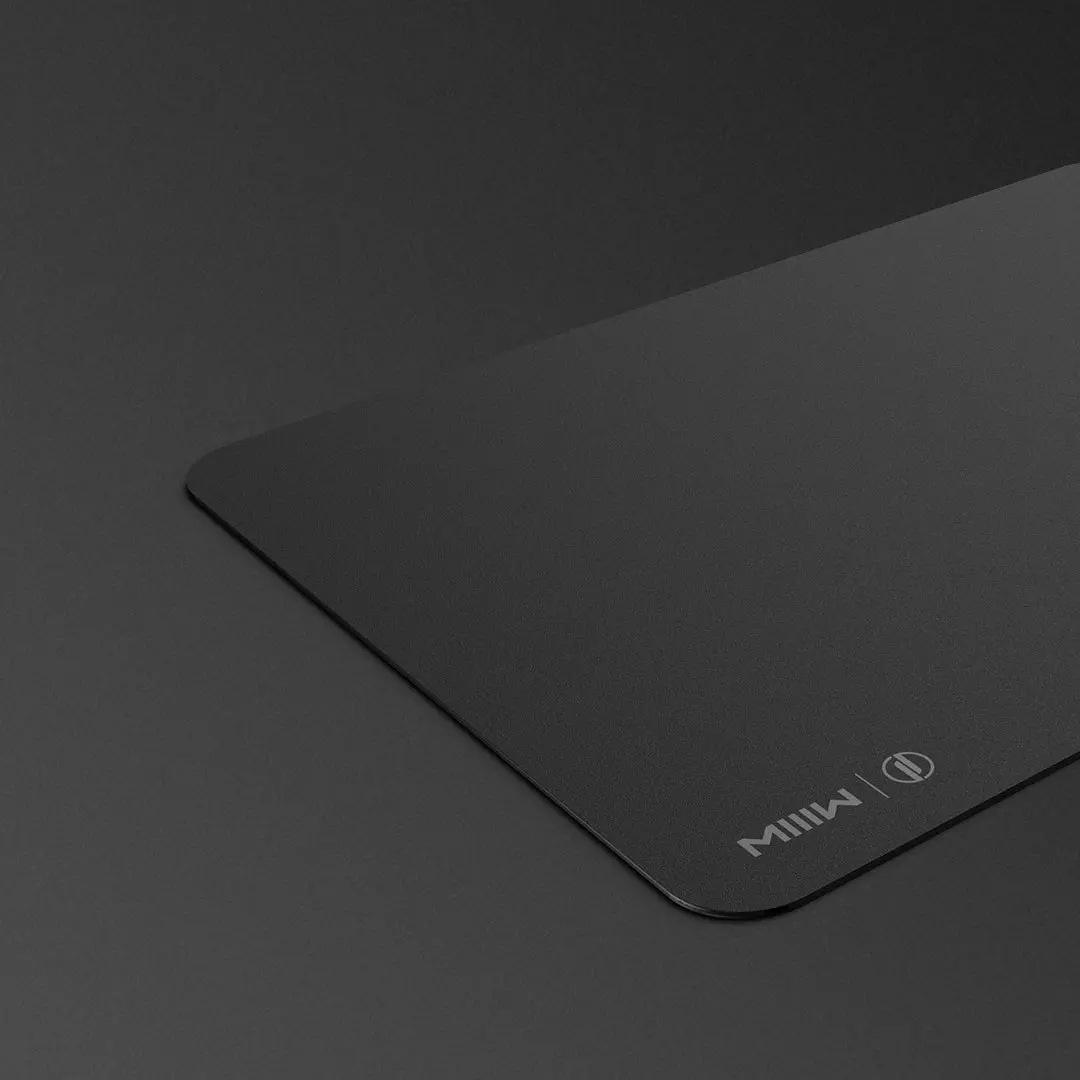 surface noir mat de notre support de souris