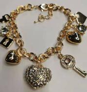 Charm pendant bracelet