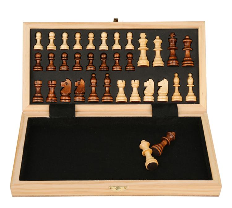 Jeu d'échecs en bois massif 5