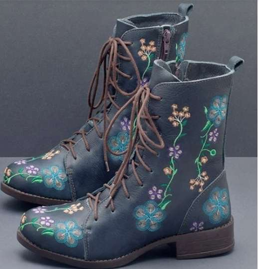 Women's Embroidered Boots  Vintage style