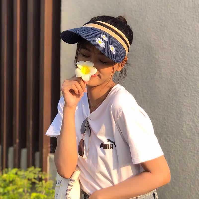 Chapeau de paille chrysanthème